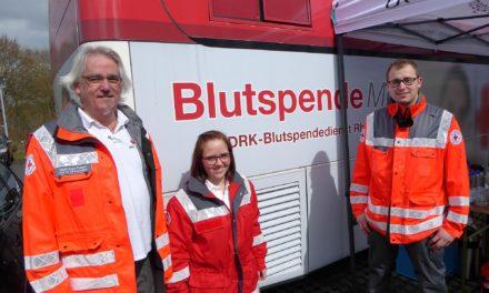 """<span class=""""entry-title-primary"""">""""Projekt 700"""" auf dem Vormarsch</span> <span class=""""entry-subtitle"""">Glänzendes Blutspende-Ergebnis in Bodenheim</span>"""