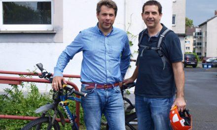 """<span class=""""entry-title-primary"""">Flüchtlinge in die Sport- und Vereinswelt integrieren</span> <span class=""""entry-subtitle"""">Neuer Sportcoach vorgestellt</span>"""