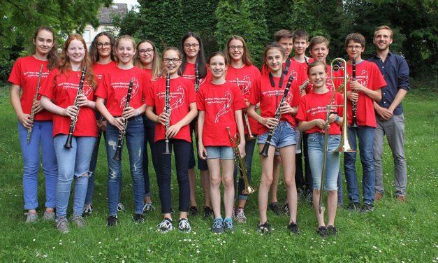 """<span class=""""entry-title-primary"""">KMV Jugendorchester brilliert mit Jahreskonzert</span> <span class=""""entry-subtitle"""">Nachwuchsmusiker überzeugen mit beschwingten Weisen</span>"""