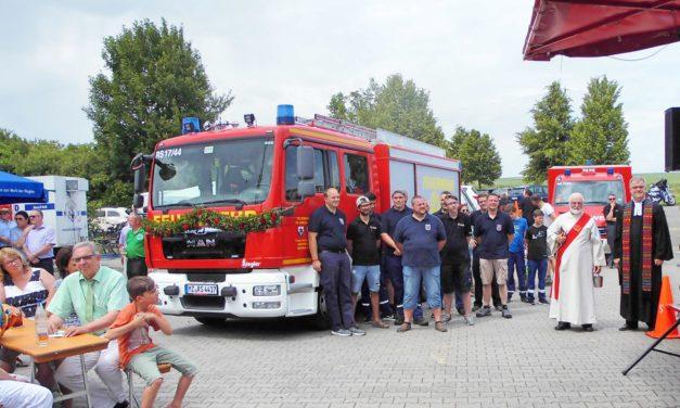 """<span class=""""entry-title-primary"""">Neues Löschfahrzeug für eine erfolgreiche Truppe</span> <span class=""""entry-subtitle"""">Jubiläumsfest der Freiwilligen Feuerwehr Uelversheim-Weinolsheim </span>"""