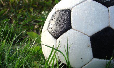 Aktive spielen um die Fußball-Stadtmeisterschaft