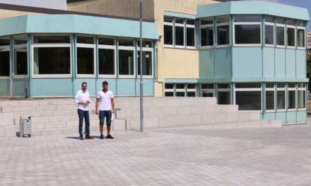 """<span class=""""entry-title-primary"""">Hurra, die Schule beginnt wieder!</span> <span class=""""entry-subtitle"""">Neuer Schulhof für die Grundschule Hasengrund</span>"""