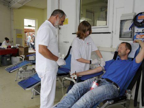"""""""So viele Menschen wie möglich müssen Blut spenden"""""""