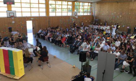"""<span class=""""entry-title-primary"""">""""Eine junge, bunte und dynamische Schule""""</span> <span class=""""entry-subtitle"""">Gymnasium Nackenheim feiert 10-jährigen Geburtstag</span>"""