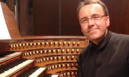 "<span class=""entry-title-primary"">Außergewöhnliches Orgelkonzert</span> <span class=""entry-subtitle"">David Briggs spielt Mahler in der Katharinenkirche</span>"