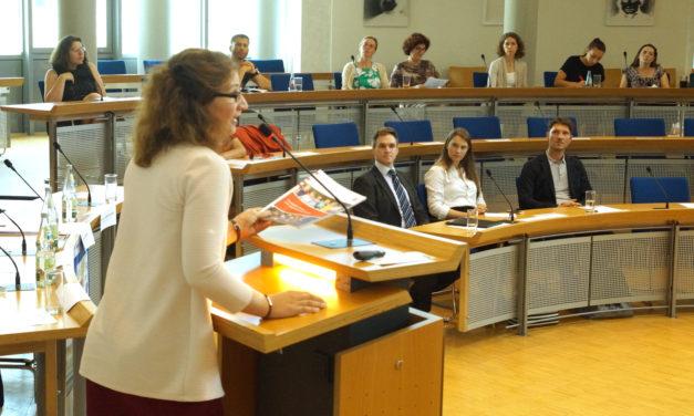Forum Amtsgericht Rüsselsheim diskutiert im Rathaus zu Kinderrechten