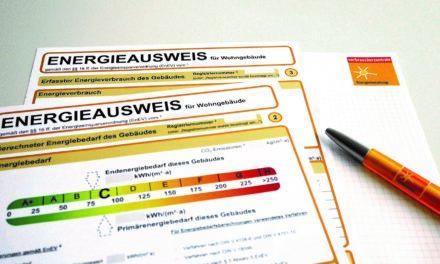"""<span class=""""entry-title-primary"""">Energieausweise sind zehn Jahre gültig</span> <span class=""""entry-subtitle"""">Die ersten Energieausweise verlieren Gültigkeit</span>"""
