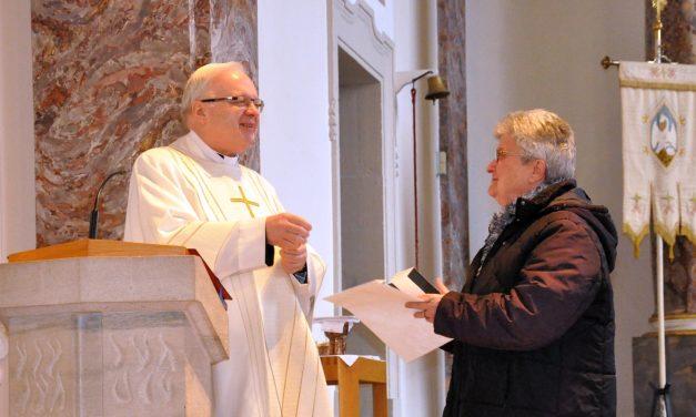 """<span class=""""entry-title-primary"""">Ein Leben im Zeichen des Engagements</span> <span class=""""entry-subtitle"""">Bischof Peter Kohlgrab ehrt Dionysia Diel</span>"""