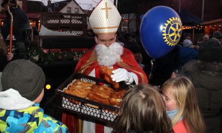 """<span class=""""entry-title-primary"""">Weihnachtsmarkt in der Flörsheimer Altstadt</span> <span class=""""entry-subtitle"""">Am ersten Adventswochenende 2018</span>"""