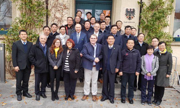 """<span class=""""entry-title-primary"""">Unter Kollegen</span> <span class=""""entry-subtitle"""">Bürgermeister aus China besuchen Amtskollegen Thomas Günther</span>"""