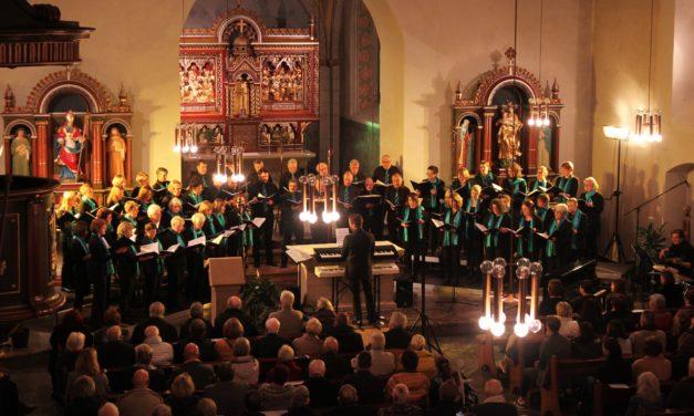 """<span class=""""entry-title-primary"""">""""Magnificat – 30 Jahre Kilians-Chor""""</span> <span class=""""entry-subtitle""""> Kilians-Chor begeistert mehr als 400 Zuhörer beim Jubiläumskonzert</span>"""