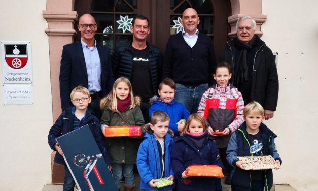 """<span class=""""entry-title-primary"""">Von Nackenheim nach Frankenthal</span> <span class=""""entry-subtitle"""">Luftballons fliegen weit</span>"""