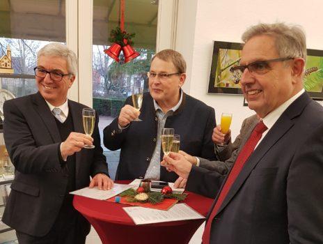 Innenminister überreicht Förderbescheid an Stadt Nierstein