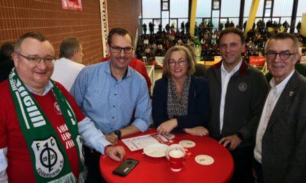 Gemeinde Kriftel unterstützte Offensiv-Cup in der Kreissporthalle