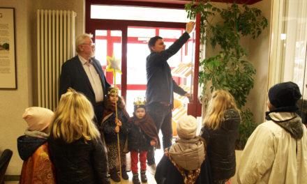 Sternsinger besuchen das Rathaus Gustavsburg