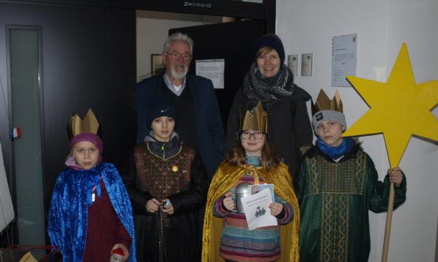 Sternsinger besuchen das Rathaus Ginsheim