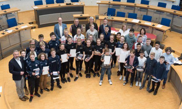 48 Nachwuchssportler bei Schülersportlerehrung ausgezeichnet