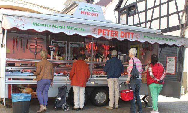 """<span class=""""entry-title-primary"""">Metzgerei Ditt jetzt auch in Hechtsheim zu finden</span> <span class=""""entry-subtitle"""">Am Hofladen von Bauer-Schwaab werden feinste Wurst und Fleischwaren verkauft</span>"""