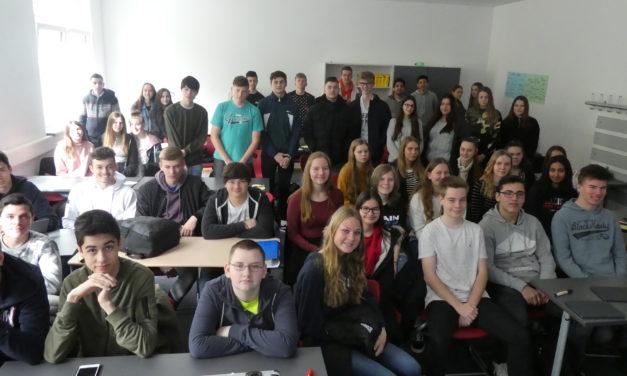 """<span class=""""entry-title-primary"""">Fridays for Future in Nierstein</span> <span class=""""entry-subtitle"""">Carl Zuckmayer Realschule plus unterstützt Interesse der Schüler am Thema Klimawandel</span>"""