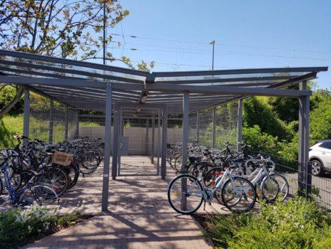 Freie Plätze im Fahrradhaus am Bahnhof von Nierstein