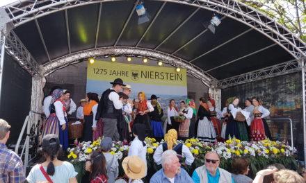 Weit mehr als 10.000 Besucher beim bundesländerübergreifenden Fest