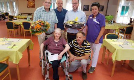 Inse Heiderich feiert 101. Geburtstag im Johanneshaus Nierstein