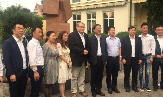 Parteisekretär und Bürgermeister aus der Provinz Hebei besuchen Nierstein