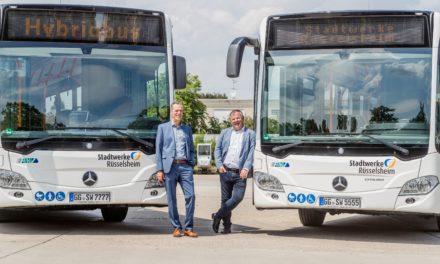 """<span class=""""entry-title-primary"""">In Rüsselsheim fahren jetzt zwei Hybridbusse</span> <span class=""""entry-subtitle"""">en Stadtwerken sind Klimaschutz und mehr Sicherheit beim Rechtsabbiegen wichtig </span>"""