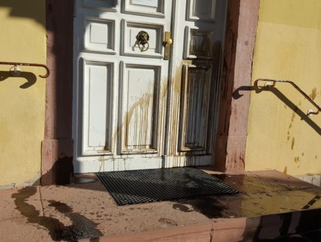 Stadt bittet Bürgerinnen und Bürger um Hinweise zu Sachbeschädigung am Palais Verna