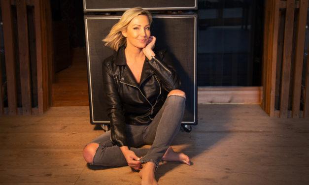"""<span class=""""entry-title-primary"""">Zu gewinnen: CD´s Tanja Lasch """"Zwischen Lachen und Weinen""""</span> <span class=""""entry-subtitle"""">Journal LOKAL und mein südhessen verlosen 3 Deluxe Editionen des neuen Albums von Tanja Lasch</span>"""