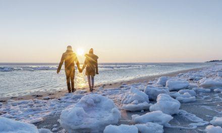 """<span class=""""entry-title-primary"""">Unterwegs zu Muschelbänken, durchs Wattenmeer und entlang einsamer Strände</span> <span class=""""entry-subtitle"""">Neue nordsee Winterbroschüre 2019/2020 macht Lust auf Nordsee-Urlaub im Herbst und Winter</span>"""