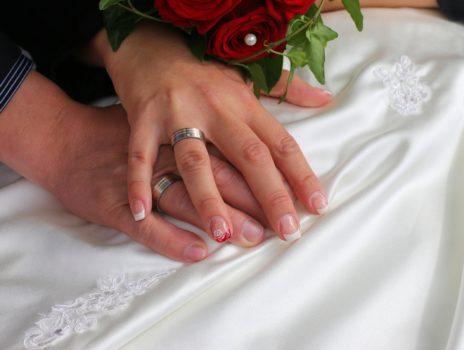 Verlobte aufgepasst