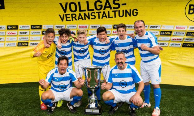 """<span class=""""entry-title-primary"""">""""Iron Rangers"""" holen den BVB Family Cup</span> <span class=""""entry-subtitle"""">Rüsselsheimer werden beim Bundesligaspiel vor der Südkurve geehrt</span>"""