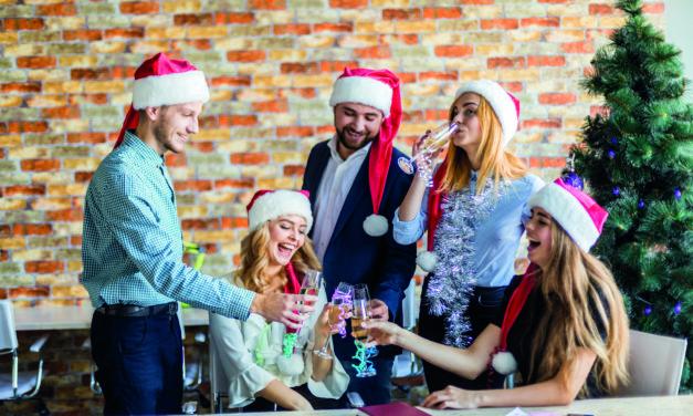 Weihnachtsfeier: Alkohol als Karrierekiller?