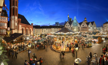 """<span class=""""entry-title-primary"""">Weihnachtsstimmung von Hauptwache bis Römerberg</span> <span class=""""entry-subtitle"""">Ein Rundgang über den Frankfurter Weihnachtsmarkt</span>"""