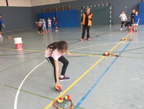 Start der Kooperation zwischen der Gustav-Brunner-Schule und dem Tennisclub Gustavsburg