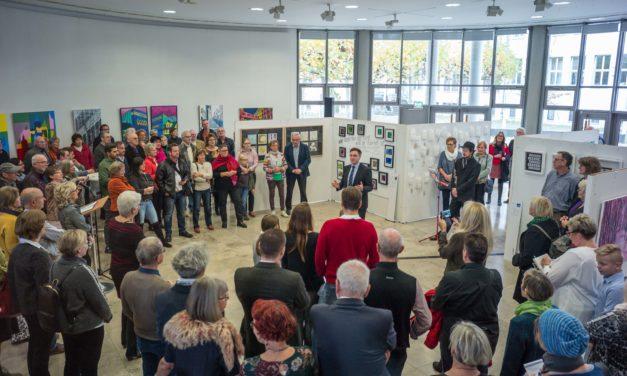 """Ausstellung """"Fehlfarben"""" im Rathaus"""