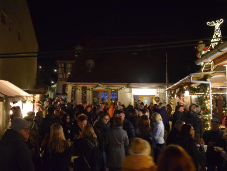 Nikolausmarkt in Bodenheim begeistert jung und alt