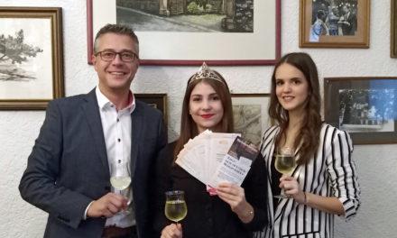 Die Gewinner stehen fest – die Niersteiner Weinkönigin zog 14 Lose