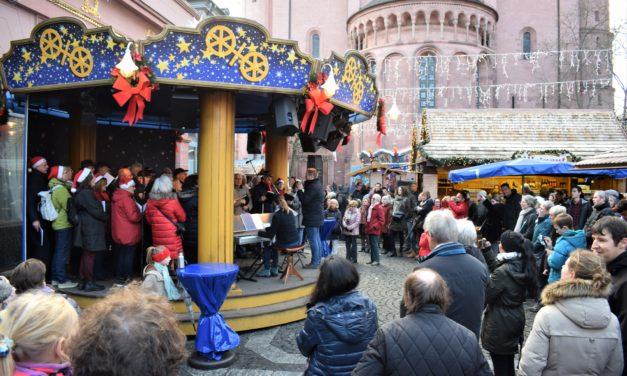 """<span class=""""entry-title-primary"""">Laubenheim trifft sich auf dem Mainzer Weihnachtsmarkt</span> <span class=""""entry-subtitle"""">Impressionen des Auftritts der Laubenheimer Sänger</span>"""