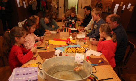 "<span class=""entry-title-primary"">KinderKunstWerkstatt im Dezember 2019</span> <span class=""entry-subtitle"">Kleine Weihnachtskunstwerke!</span>"