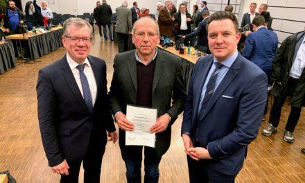 """<span class=""""entry-title-primary"""">Neues Magistratsmitglied</span> <span class=""""entry-subtitle"""">Helmut Zöll als ehrenamtlicher Stadtrat vereidigt</span>"""