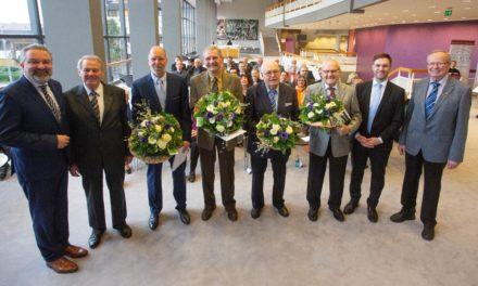 Vier ehrenamtlich Aktive mit Verdienstplakette in Bronze geehrt