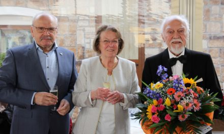 """<span class=""""entry-title-primary"""">90. Geburtstag</span> <span class=""""entry-subtitle"""">Die Stadt gratuliert Dr. Walter Nohl</span>"""