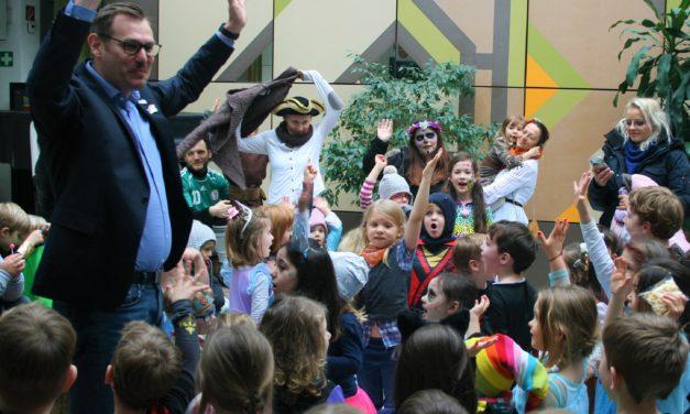 Kindergartenkinder stürmten das Rathaus