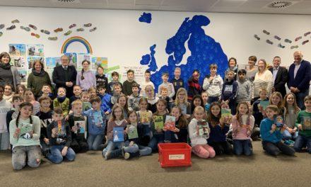Hofheimer Kinder Jury: 15 Klassen lesen und bewerten Bücher