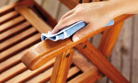 Pflegetipps für Holz im Garten