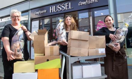 Hussel-Filiale spendet Osterschokolade an das GPR Klinikum
