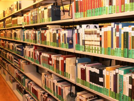 Stadtbücherei bietet Buch-Päckchen an