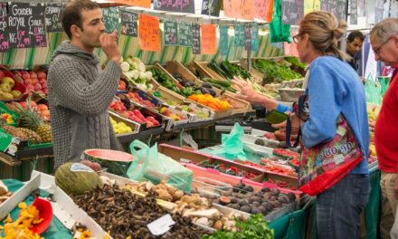 Wochenmarkt an Gründonnerstag